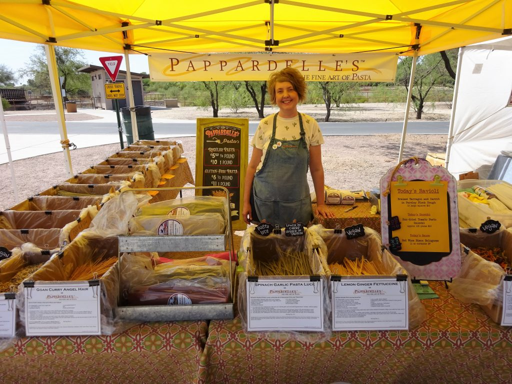 TUCSON FARMERS MARKET : RILLITO PARK - Blossoming Widow : This is the biggest Farmers Market in Tucson, Arizona. There's a variety of food to choose from, fresh produce from local farmers, Artisan crafts and it's fun for the whole family!