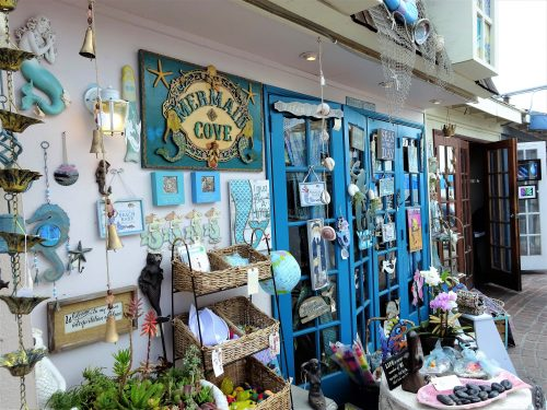Solo Travel : Shopping In Laguna Beach, California - Blossoming Widow : Laguna Village has some quaint and colorful shops to browse through offering oil paintings, hand painted glassware, jewelry, sea shells, Russian nesting dolls and so much more.