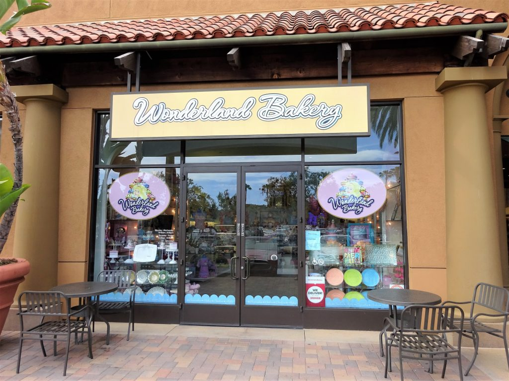 Solo Travel : In Search of Amazing Desserts in Orange County : Delicious, pretty, moist, baked goods that soothes the sweet tooth and cravings for sweets.
