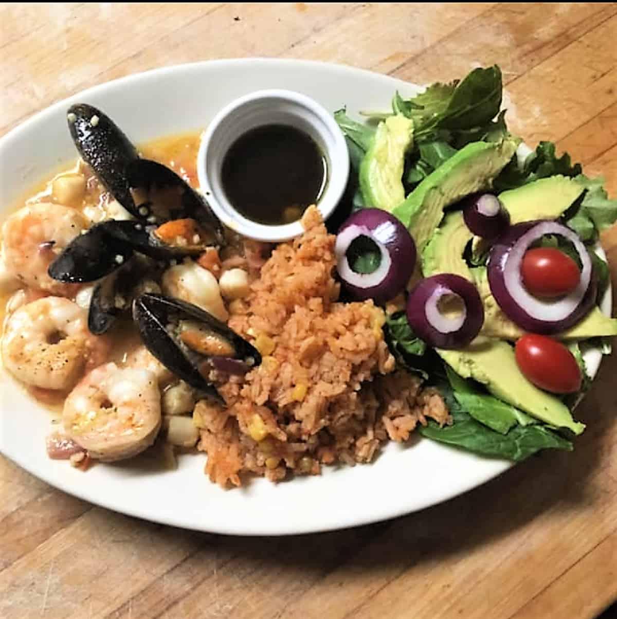 Tia Nita's Cantina muscles, shrimp and avocado special
