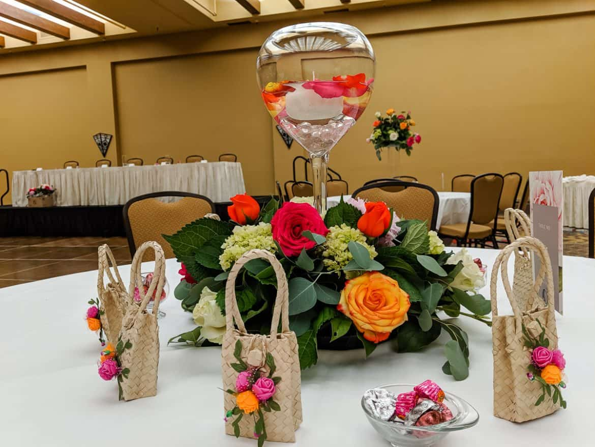 wedding flower arrangements centerpieces with candle