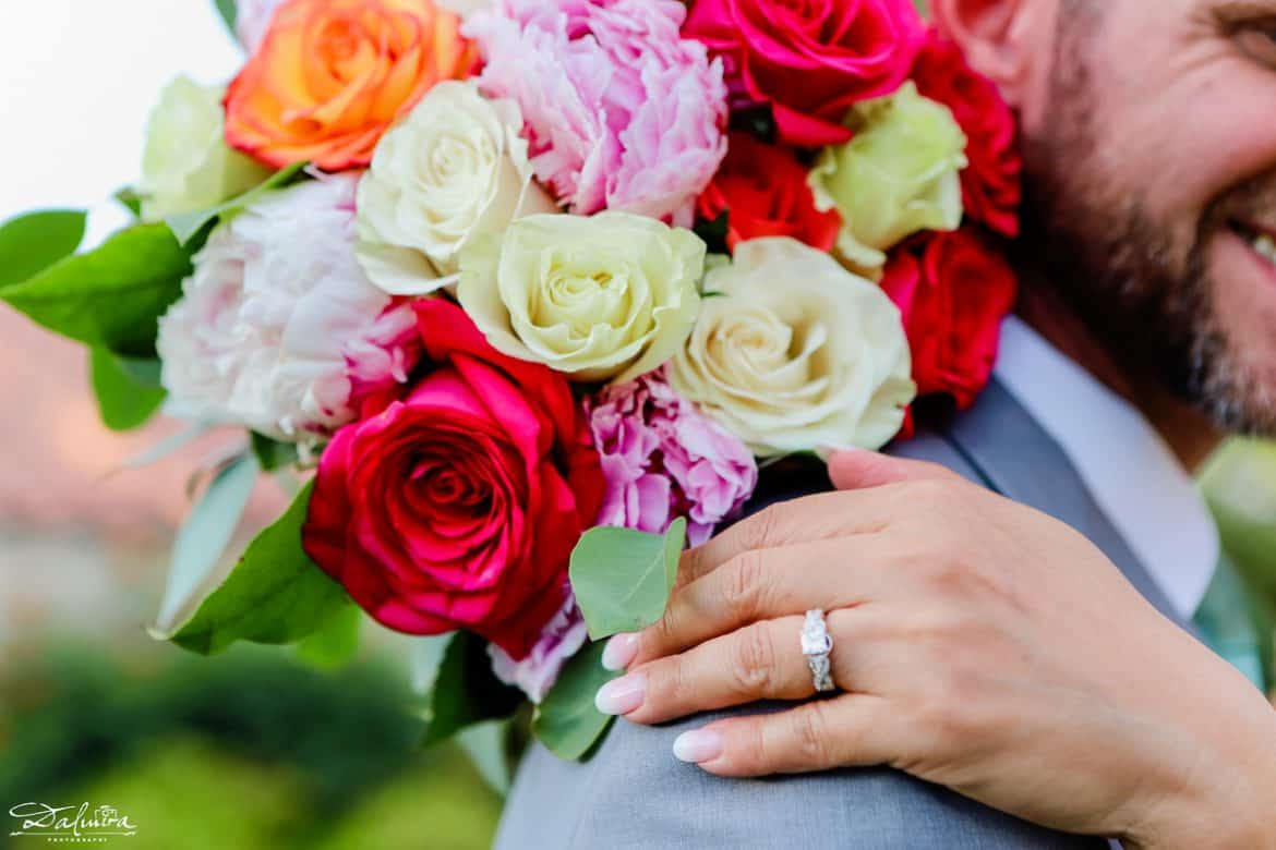 wedding bouquets pictures and ring