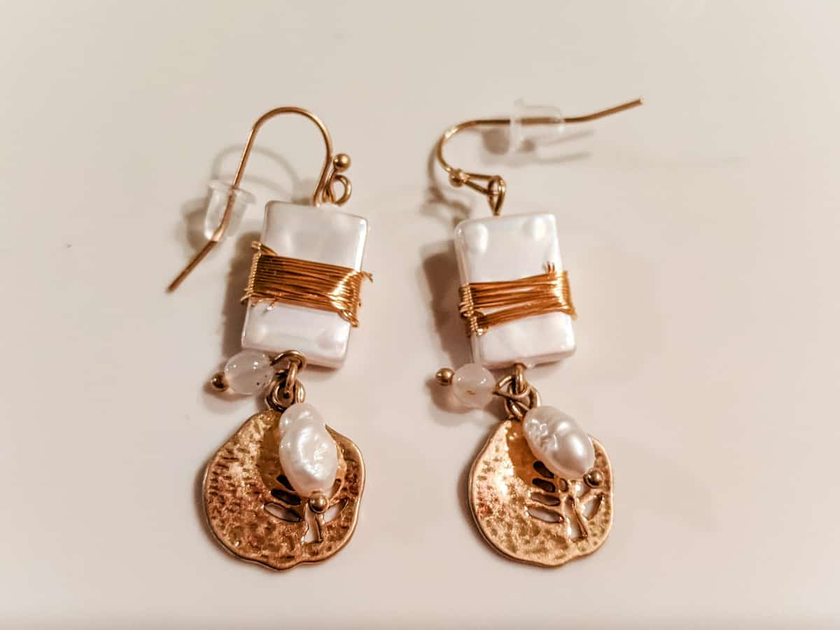 Mother of pearl copper wire earrings